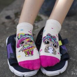 Комплект яскравих шкарпеток для дівчат із лялькою LOL-3032