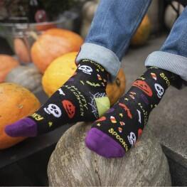 Чоловічі шкарпетки з гарбузами та написом Halloween-3313